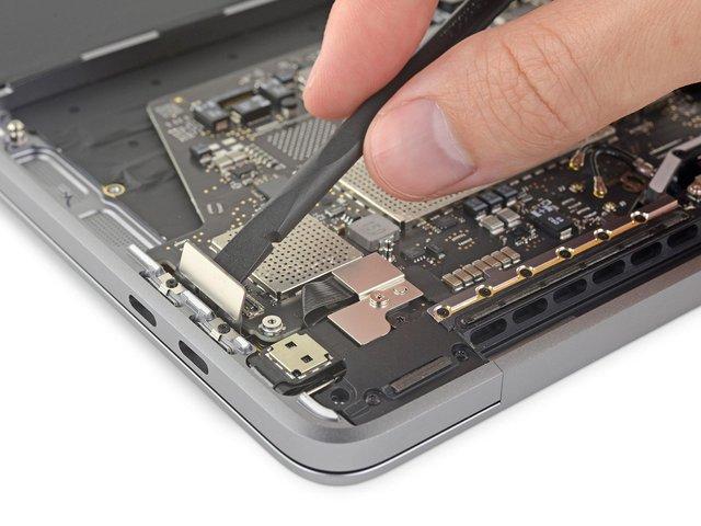 Apple MacBook Pro 13 2019 року практично не піддається ремонту - фото 340492
