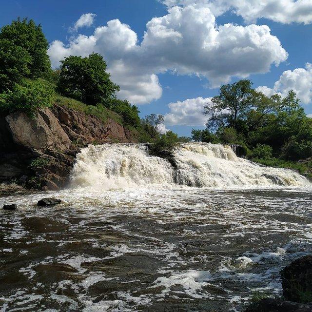 ТОП-10 водоспадів в Україні, які варто побачити на власні очі - фото 340920