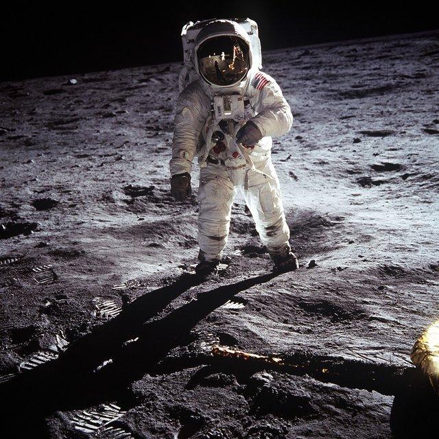 Підкорити Місяць знову не вдалось через брак коштів - фото 340947
