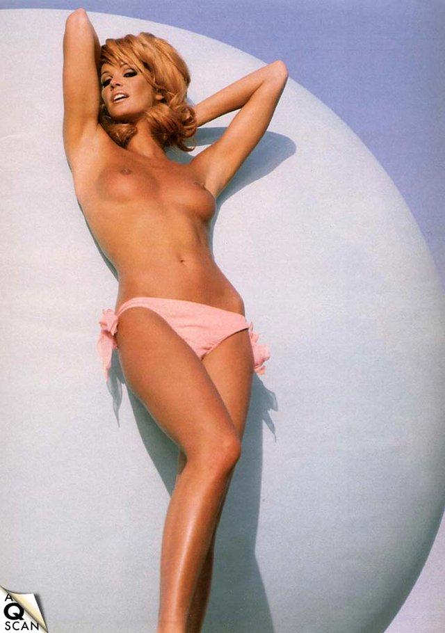 Моделі 90-х: як змінилася сексуальна австралійка Ель Макферсон (18+) - фото 341434