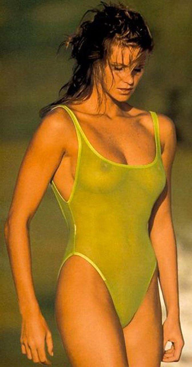 Моделі 90-х: як змінилася сексуальна австралійка Ель Макферсон (18+) - фото 341435