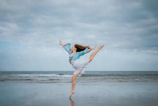 Танці допомагають позубтись зайвої ваги - фото 341564
