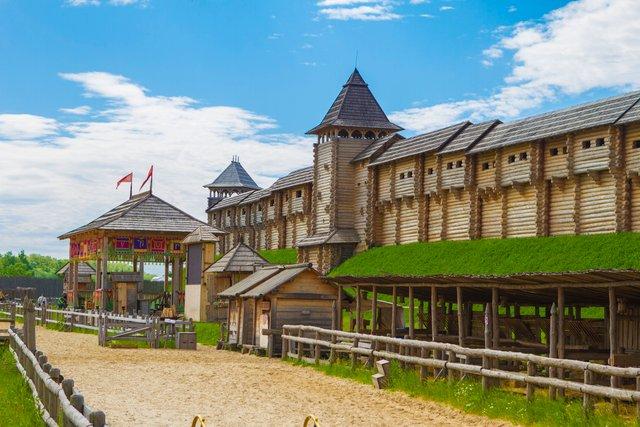 Замки України: ТОП 11 старовинних споруд, які варто побачити - фото 341644