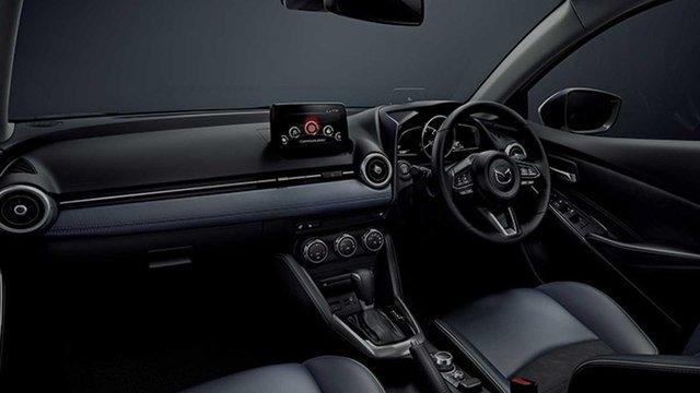 Японці представили оновлений хетчбек Mazda2 - фото 341766