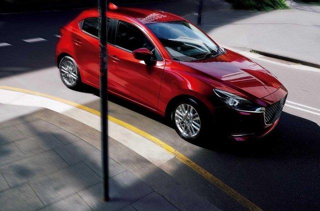 Японці представили оновлений хетчбек Mazda2 - фото 341767