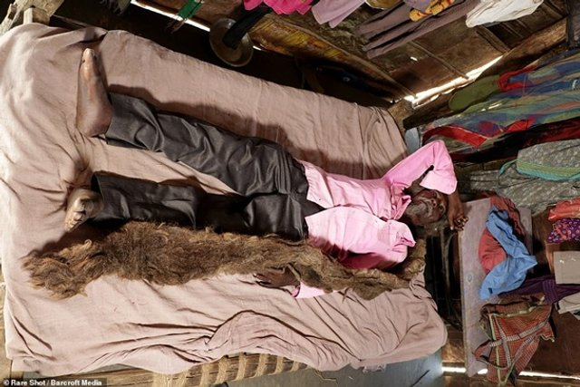 Житель Індії 40 років не стриг і не мив волосся (фото) - фото 341870