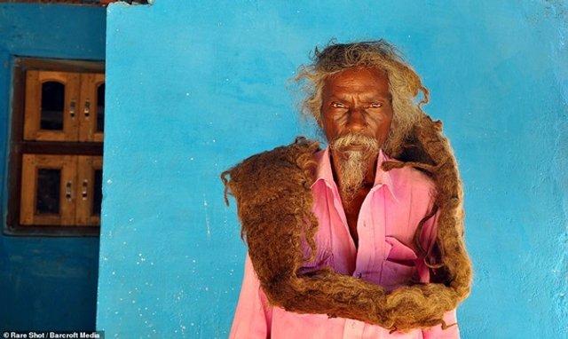 Житель Індії 40 років не стриг і не мив волосся (фото) - фото 341872