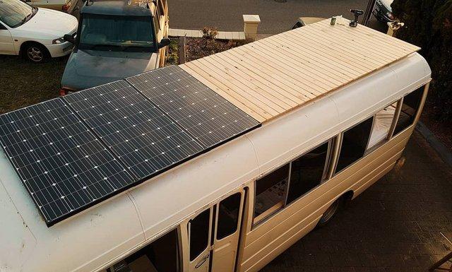 Австралійська пара мандрує світом на автобусі: яскраві фото - фото 341983