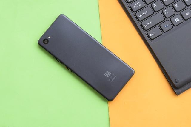 Xiaomi Qin 2: смартфон для студентів за 73 долари на Android GO - фото 342120