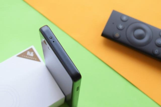 Xiaomi Qin 2: смартфон для студентів за 73 долари на Android GO - фото 342122