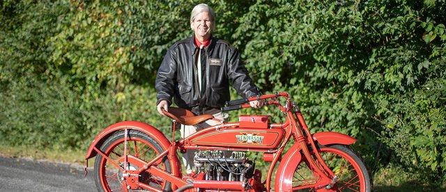 Мотоцикліст відправився в подорож Америкою на 100-літньому байку - фото 342183