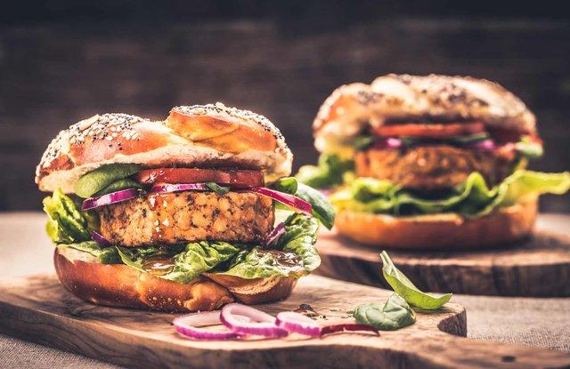 Бургер може бути корисним, якщо замінити певні інгредієнти - фото 342212