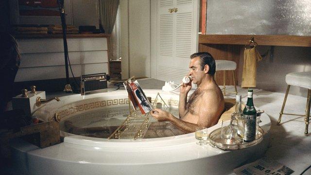 Тепла ванна допомагає швидше заснути - фото 342482