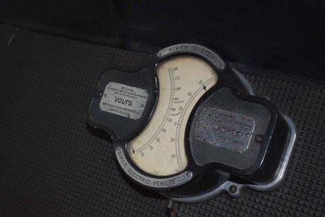 Раритетний 121-річний електрокар продадуть на аукціоні - фото 342604