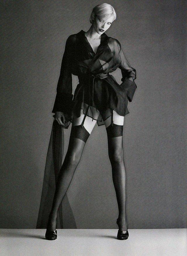 Моделі 90-х: як змінилася володарка карколомних ніжок Надя Ауерман (18+) - фото 342656