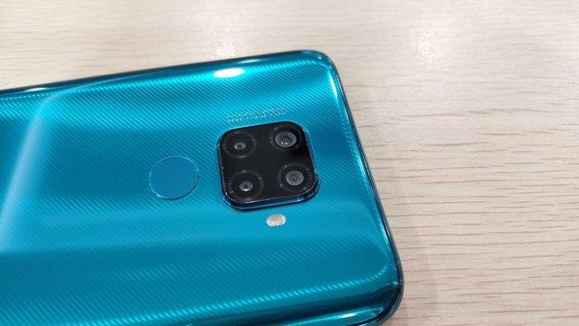 У мережі з'явилися живі фото Huawei Nova 5i Pro - фото 342717
