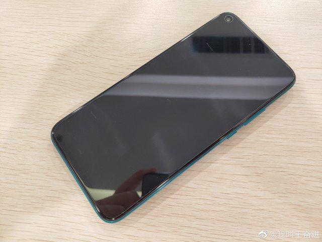 У мережі з'явилися живі фото Huawei Nova 5i Pro - фото 342719