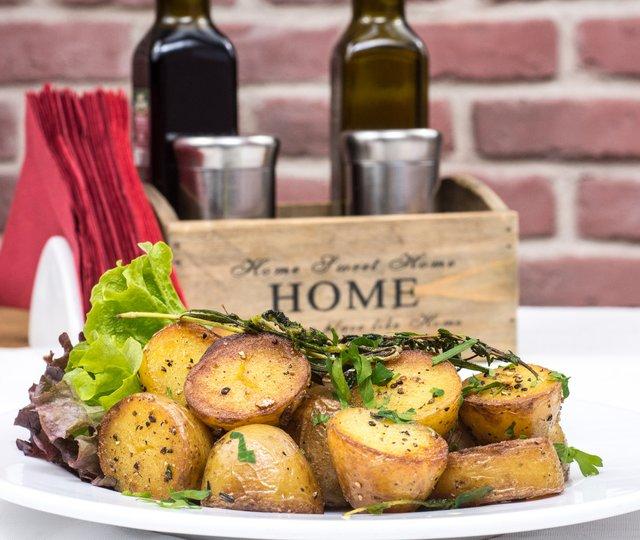 Чому корисно їсти картоплю у мундирі - фото 342863