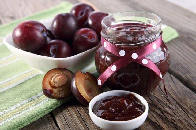 Варення зі слив: рецепти приготування венгерок з шоколадом, горіхами, какао - фото 343109