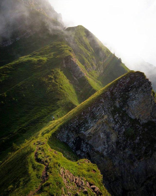 Подорож Швейцарією у різні пори року: захопливі фото - фото 343402
