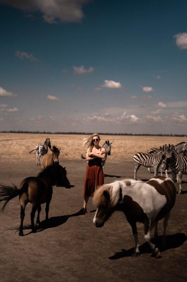 Рожеві озера і пустеля: блогерка показала неймовірні місця в Україні - фото 343517