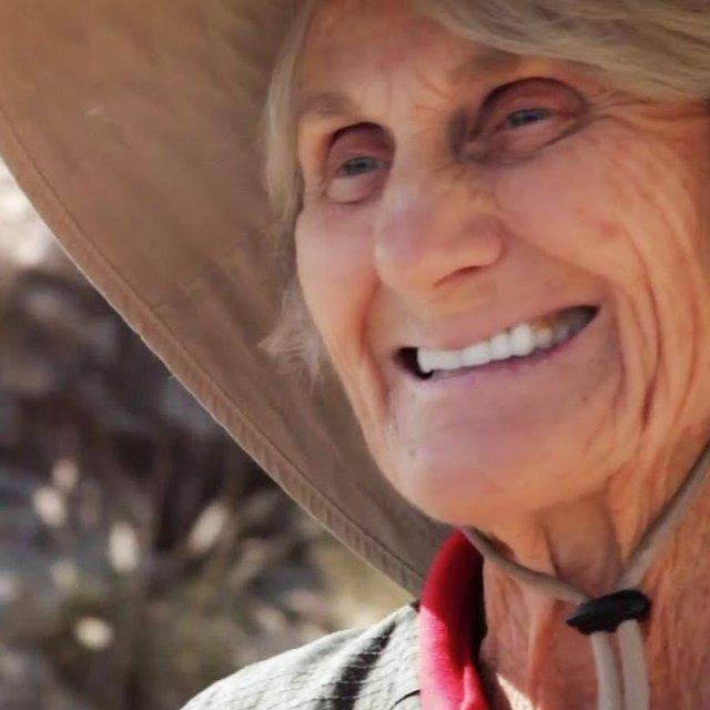 89-річна американка підкорила Кіліманджаро і встановила світовий рекорд - фото 343890
