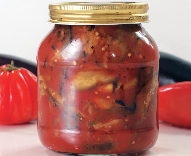 салат з баклажанів, перцю, помідорів на зиму - фото 344021