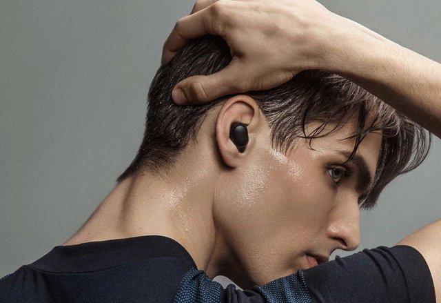 Навушники компактні і добре сидять у вусі - фото 344414