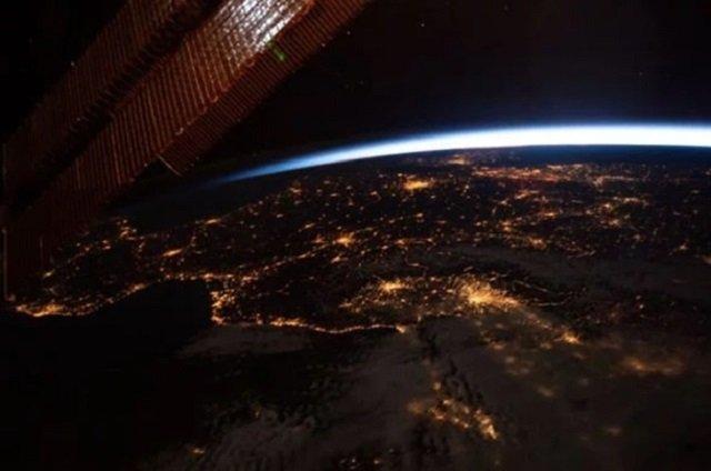 З висоти МКС: NASA показало видовищні знімки Землі - фото 344504
