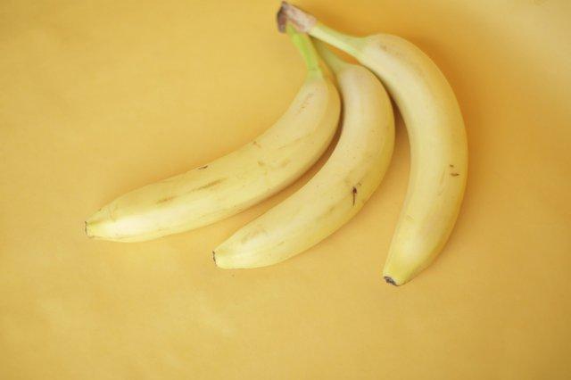 Замініть солодощі бананами та сухофруктами - фото 344683