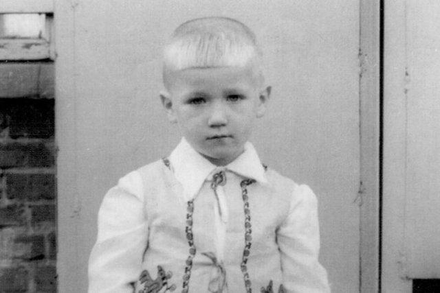 Олег Винник в дитинстві - фото 344871
