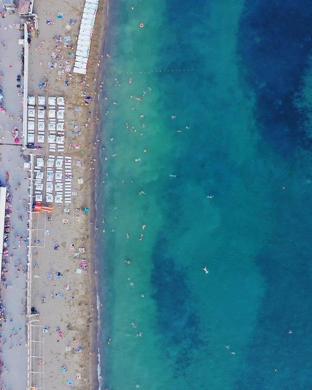 Порожні пляжі Криму показали з висоти пташиного польоту - фото 344874