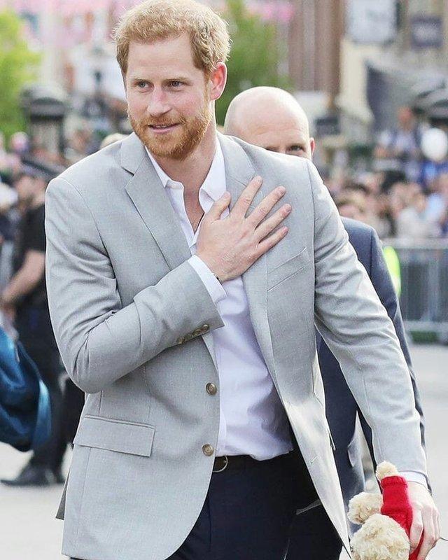 Цей піджак принц Гаррі носить, не знімаючи - фото 344932