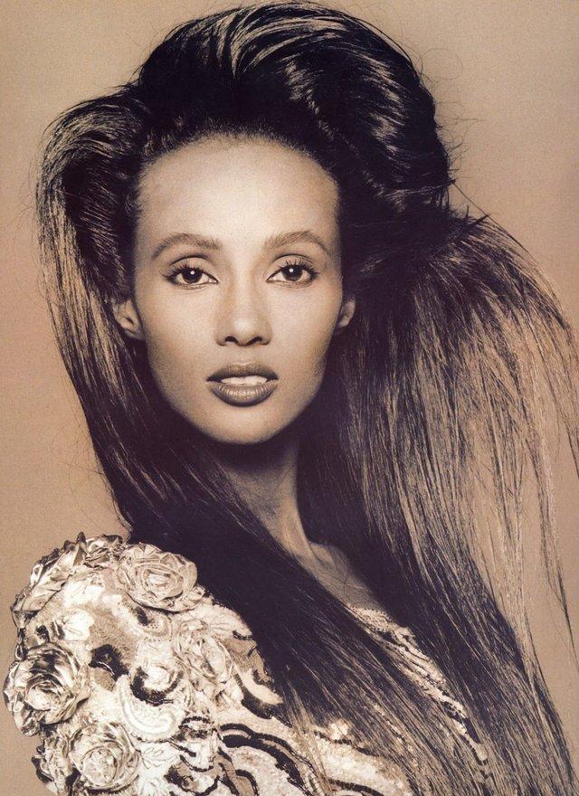 Моделі 90-х: як змінилася екзотична сомалійка Іман (18+) - фото 345240