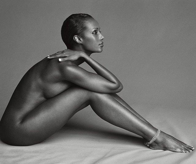 Моделі 90-х: як змінилася екзотична сомалійка Іман (18+) - фото 345252