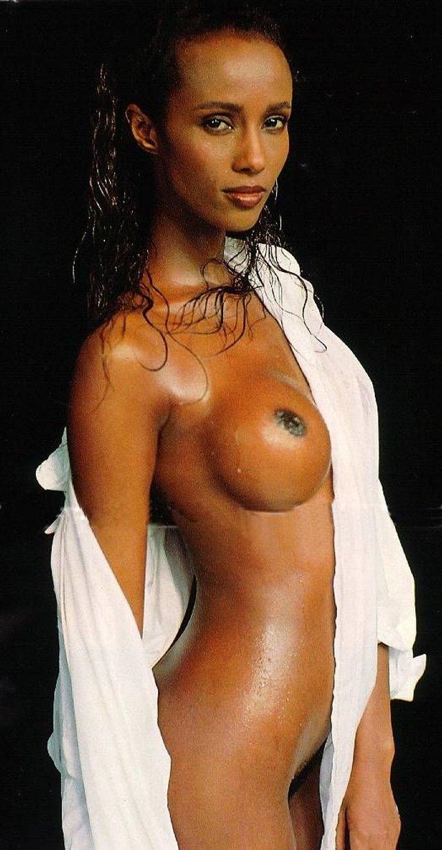 Моделі 90-х: як змінилася екзотична сомалійка Іман (18+) - фото 345254