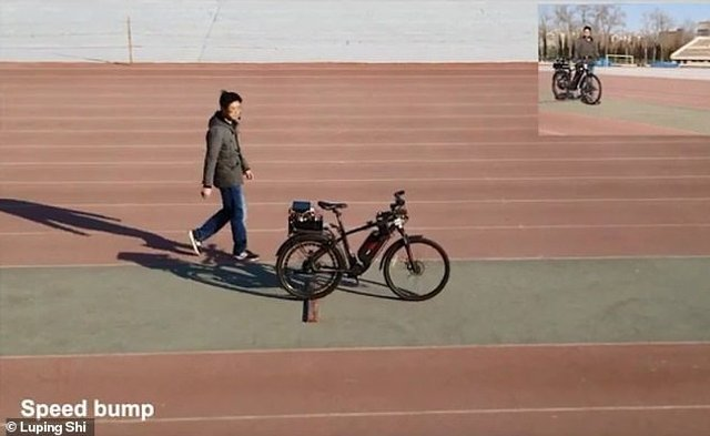 У Китаї розробили велосипед з автопілотом і голосовим управлінням - фото 345369