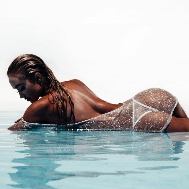 Дівчина тижня: пристрасна блондинка та сексуальна зірка Playboy Кіра Транструм (18+) - фото 345551