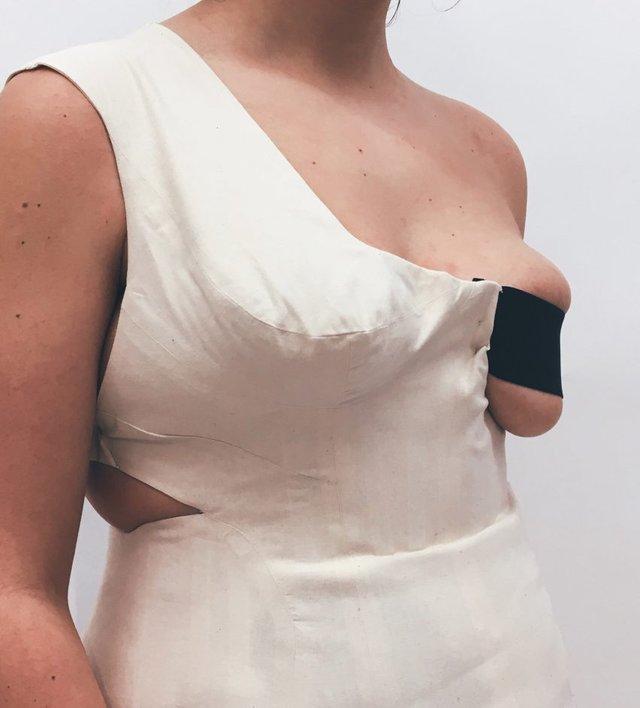 Дизайнер одягу показала колекцію, яка підкреслює недоліки фігури - фото 345707