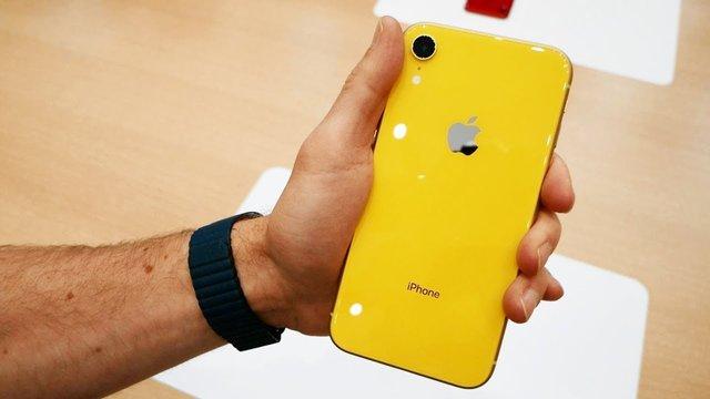 iPhone XR – практично ідеальний гаджет на ринку - фото 345773