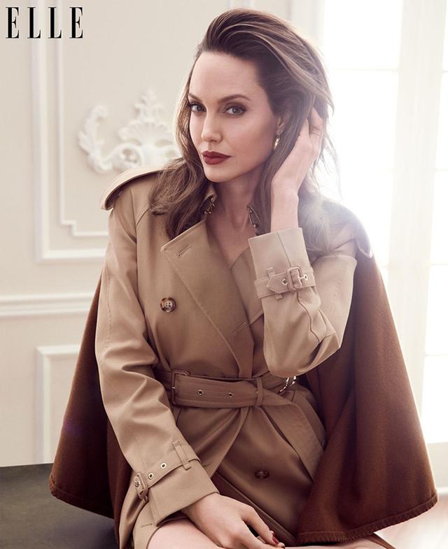 Мене б палили на вогнищі: Анджеліна Джолі вразила відвертим есе - фото 345861