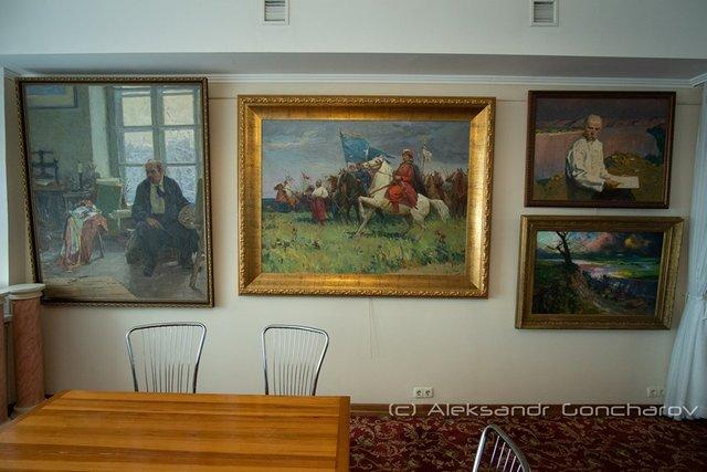 Українців розсмішила їдальня НАЗК у стилі Лувру: епічні фото - фото 346088