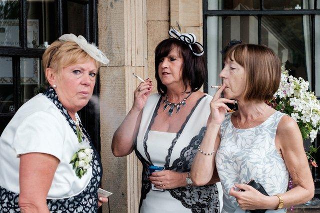 Фотограф робить курйозні, зате правдиві фото на весіллях. Ви будете сміятись до сліз! - фото 346138