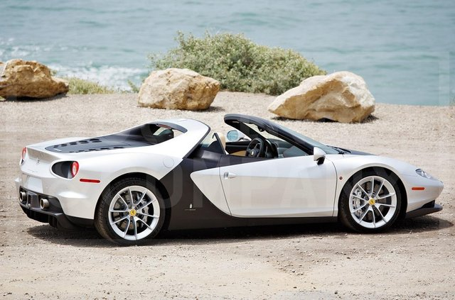Надзвичайно рідкісний Ferrari Sergio пустять з молотка - фото 346231