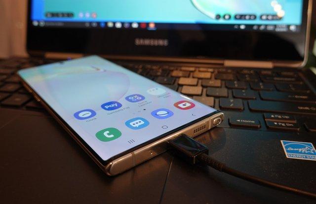 Представлено Samsung Galaxy Note10 та Note10+: чим вразили новинки - фото 346265