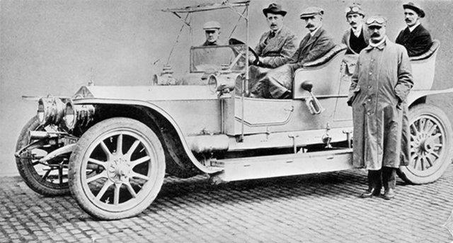 Пішов з молотка 112-річний колекційний Rolls-Royce - фото 346368