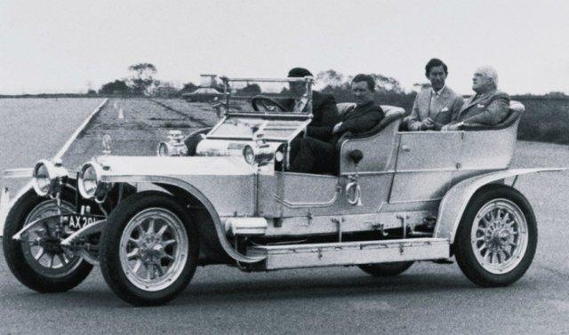 Пішов з молотка 112-річний колекційний Rolls-Royce - фото 346369