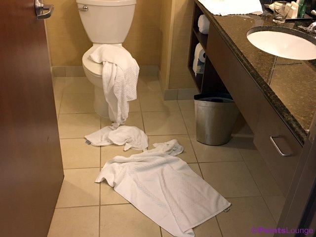 У якому вигляді треба залишати номер, коли їдете з готелю - фото 346382