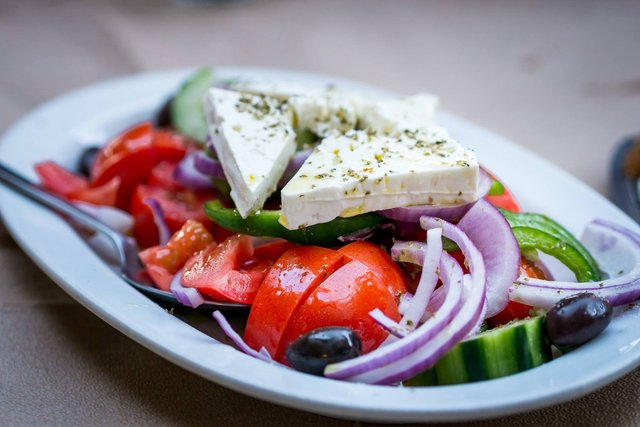Грецький салат: покрокові рецепти приготування салату з фото - фото 346407