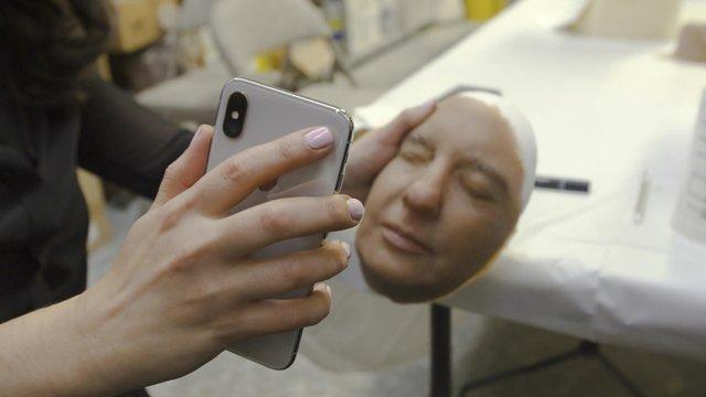 FaceID можна обманути, коли людина спить - фото 346957